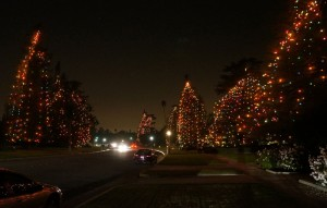 christmas-lights-st-albans-road-san-marino-california